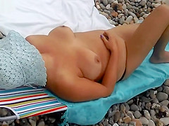 CHUBBY MATURE NUDIST WIFE TOPLESS AT BEACH