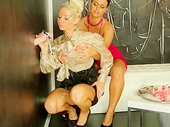 Horny Dykes Get Covered In Goo And Scissor Their Cunts Together