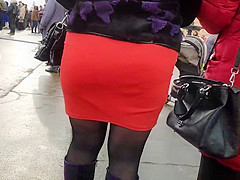 Juicy butts blonde milfs in tight skirts