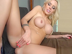 Breathtaking orgasms satisfy filthy MILF to the maximum