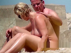 Curvy naked big Tits Nudist Milf Voyeur Spied At The Beach