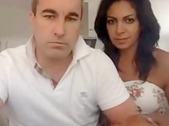 Pretty Couple plays on chat Uk are good