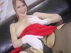 Sugary floozy Beata fucked in honey pot