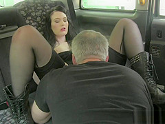 Bigass euro pussylicked by taxi driver