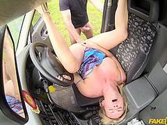 Shakes Big Tits While Making Love With Taxi Driver With Summer Rose