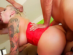Strong Studs Give Curvy Blonde Babe A Double Orgasm - Vyxen Steel