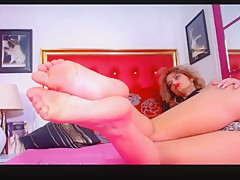 Red head foot show