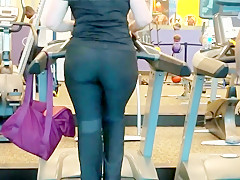 Nutbooty pawg on treadmill