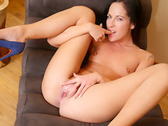 Terra Twain in Fit Mature Fingers - Anilos