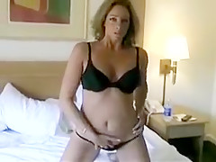 Amateur housewife masturbates in hotel room 18-25