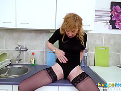EuropeMaturE Hot Mature Milf Solo