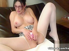 Livecam Quicky Solo Fun With My Vibrator - KinkyFrenchies