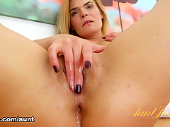 Blaten Lee in Masturbation Movie - AuntJudys