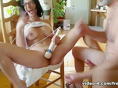 Livecam Armpit Fetish & Deep Anal In The Dining Room - KinkyFrenchies