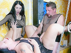 Meli Deluxe in German Cougar helps an amateur couple - MMVFilms