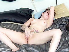 Ugly jessica marie mull plays with filthy cunt