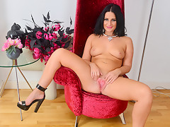 Nicola Kiss in Sexier With Age - Anilos