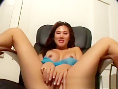 Kalea Li shows her nice ass and spreads her legs wide for a nice view