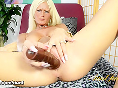 Olivia Blu in Toys Movie - AuntJudys