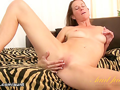 Sofie Marie in Masturbation Movie - AuntJudys