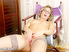 Lisa in Masturbation Movie - AuntJudys